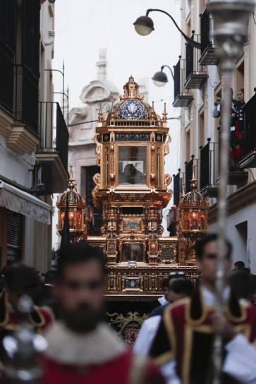 CORDOBA. 30/03/2018. SEMANA SANTA 2018. VIERNES SANTO. HERMANDAD DEL SANTO SEPULCRO DE LA COMPAÑIA. FOTO: ROLDAN SERRANO. ARCHCOR.